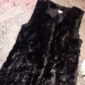 Tobi Long Black Faux Fur Vest SzM